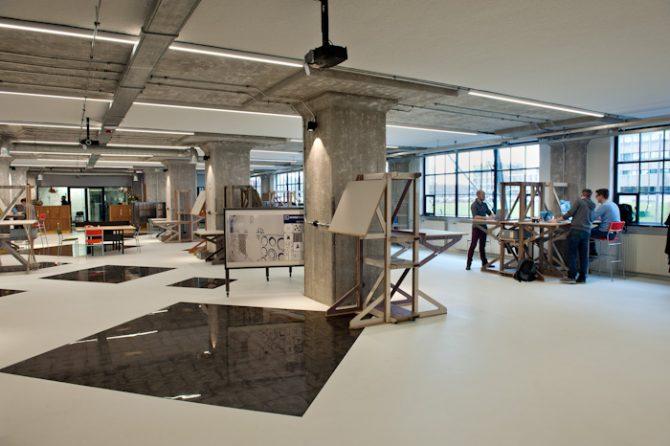 Broeinest in het voormalige Glasgebouw heeft een vloer in 3D