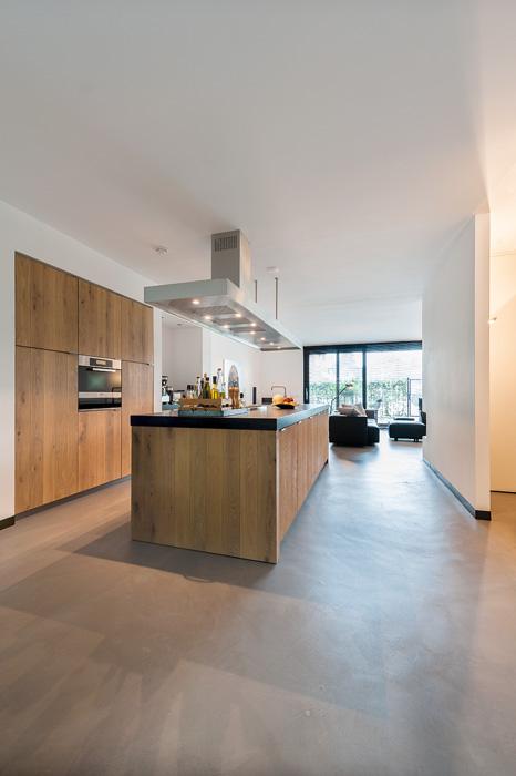Keuken met betonlook vloer. Foto gemaakt voor Mebest 2015 nr 4.