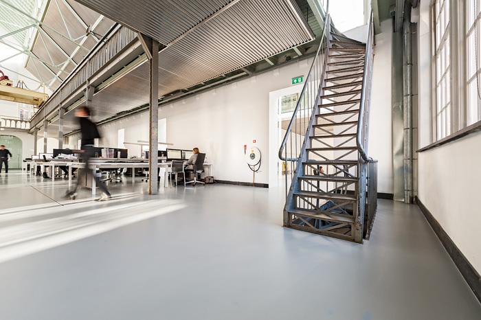 Centrale werkruimte in kantoor cepezed. Foto gemaakt voor Mebest 2016 nr 1.